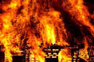 В Китаї на заводі сталася пожежа. Є загиблі