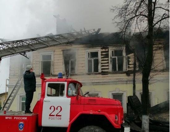 У російському Ростові п'ятеро дітей згоріли живцем у квартирі
