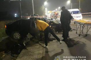 В Николаеве патрульные на Opel протаранили бетонный столб, один из них погиб