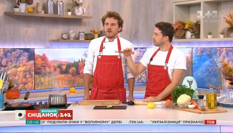 "Евгений Клопотенко готовит стейк филе миньон и салат ""Коул слоу"""