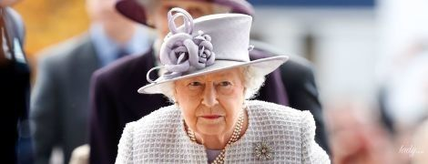 Как всегда, безупречна: королева Елизавета II на мероприятии в Аскоте
