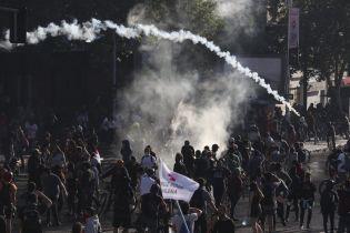 Во время протестов в Чили задержали почти 1,5 тысячи человек, погибли восемь людей