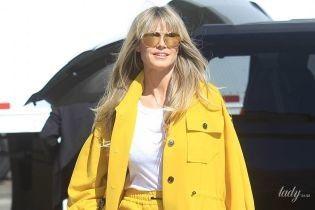 Вся в желтом и белых кедах: стильная Хайди Клум попала в объективы папарацци