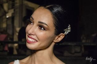Звезды на гала-концерте BALLET OPEN SPACE: Кухар в белом платье, Полякова – с высоким разрезом