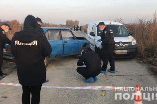 """На Киевщине неизвестные обстреляли машину и ранили мужчину, введено спецоперацию """"Сирена"""""""