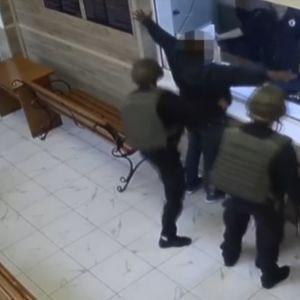 В Одессе африканец с ножом ворвался в отдел полиции и требовал, чтобы его застрелили