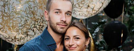 """Учасниця """"Танців з зірками"""" Ілона Гвоздьова замилувала фото з чоловіком та донькою"""