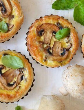 Пирог с грибами в сливках