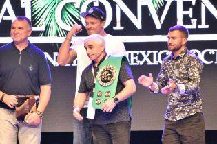 Отца Ломаченко наградили за весомый вклад в развитие бокса