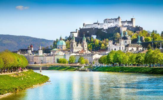 Lonely Planet визначило найкращі туристичні міста для подорожей 2020