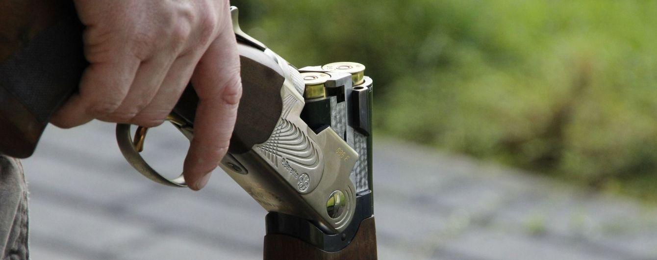 На Миколаївщині п'яний мисливець випадково підстрелив 9-річну дівчинку: дитина у комі