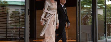 В пудровом платье и туфлях цвета металлик: первая леди Польши продемонстрировала красивый образ