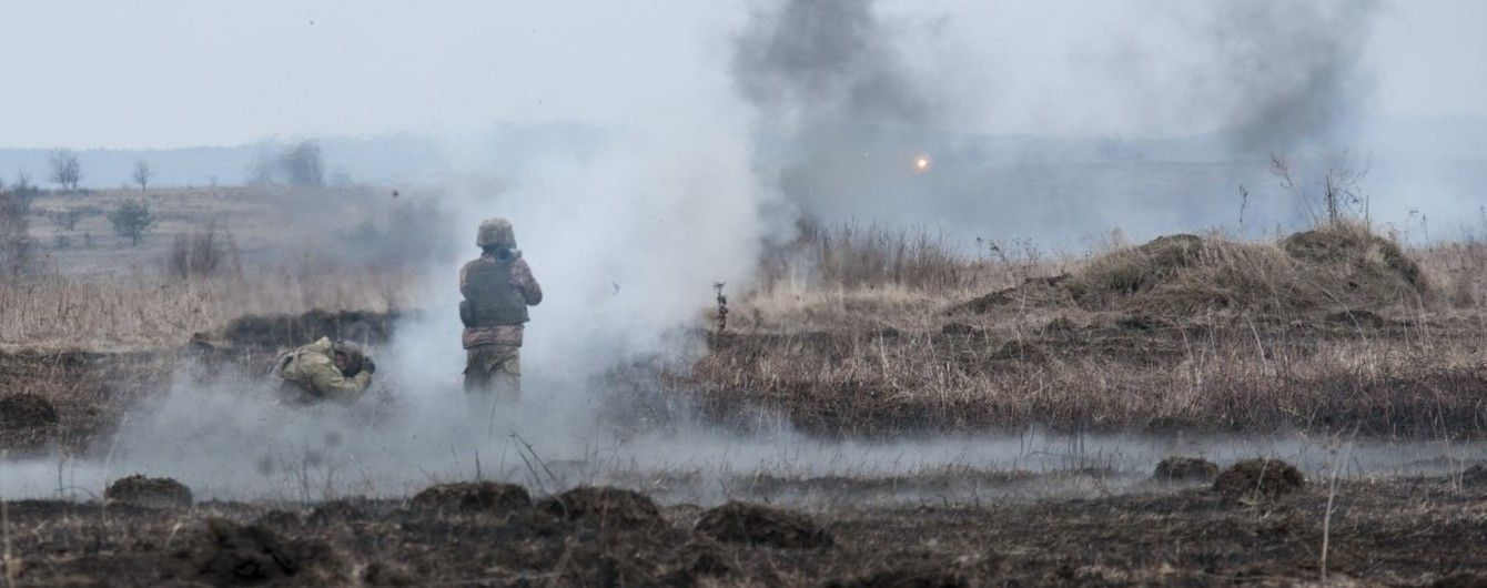 На передовій були поранені троє українських бійців. Ситуація на Донбасі