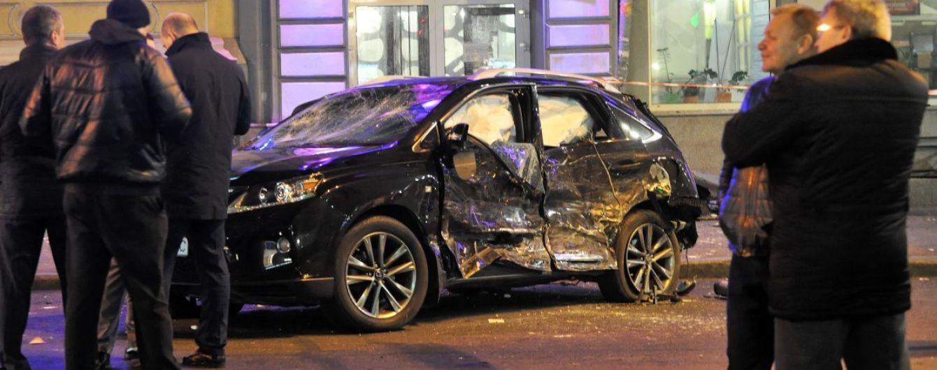 Суд в Харькове снял арест с Lexus Зайцевой и отдал машину ее отчиму