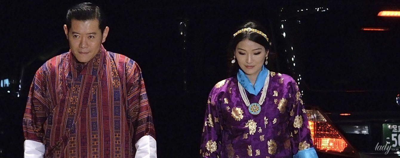 У фіолетово-баклажанових відтінках: яскравий аутфіт королеви Бутану Джецун