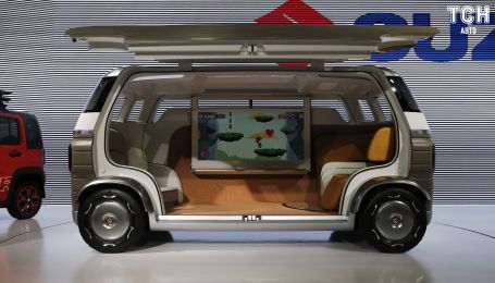 "Suzuki представила беспилотную ""комнату на колесах"""