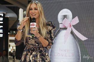 В красивом платье и высоких фиолетовых носках: Сара Джессика Паркер на фан-встрече в Мельбурне