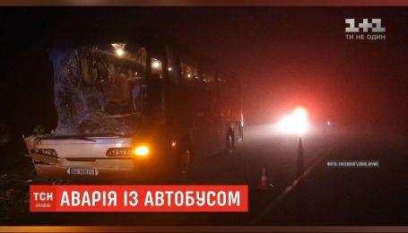 На Рівненщині сталася аварія за участю автобуса та вантажівки, є загиблі