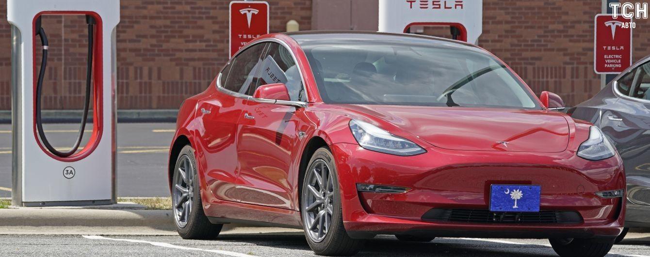 Tesla майже наздогнала за вартістю світового автогіганта номер один
