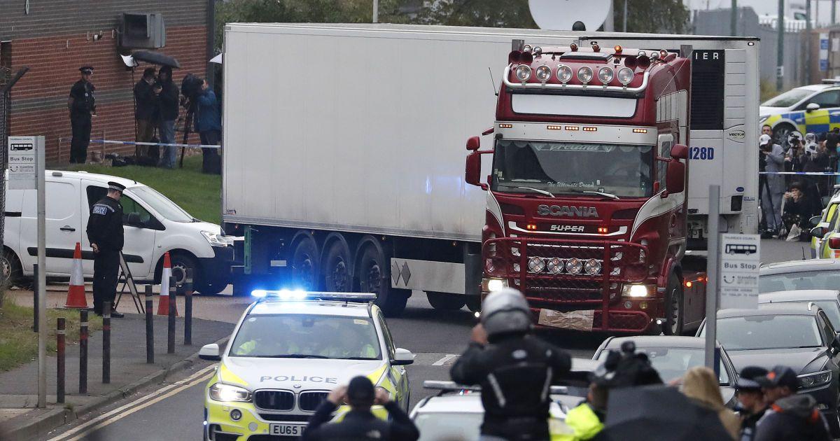 Суд у Британії залишив під вартою водія вантажівки, в якій знайшли 39 трупів