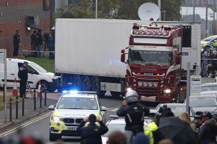 Суд в Британии оставил под стражей водителя грузовика, в котором нашли 39 трупов