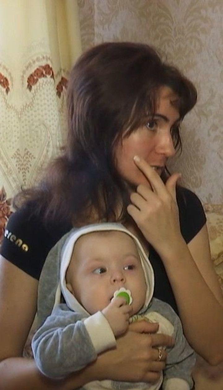 Сімейне насильство: молода мама скаржиться на регулярні побиття від чоловіка