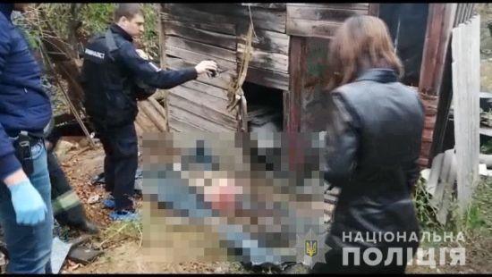 На Одещині чоловік вбив цілу родину з трьох осіб через образу співмешканки і відмову налити вина