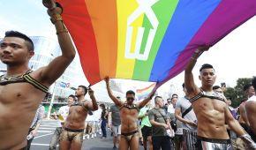 Больше 170 тысяч людей вышли на крупнейший ЛГБТ-парад в Азии