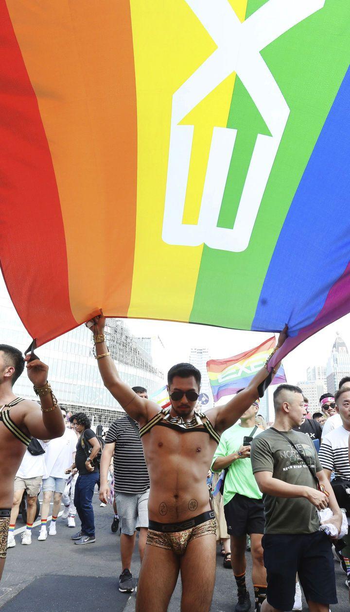 Понад 170 тисяч людей вийшли на найбільший ЛГБТ-парад в Азії