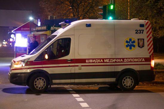 На Одещині 19-річна дівчина випала з вікна сьомого поверху