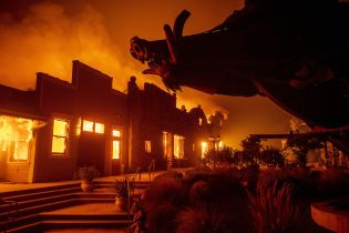 Пожары в Калифорнии: власти объявили дополнительную эвакуацию местного населения