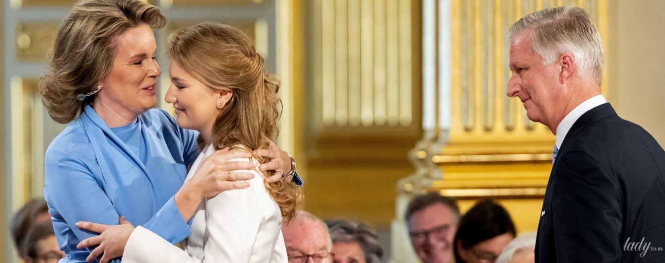 Ах, які красуні: королева Матильда і її дочка кронпринцеса Єлизавета - на святковому заході в Брюсселі