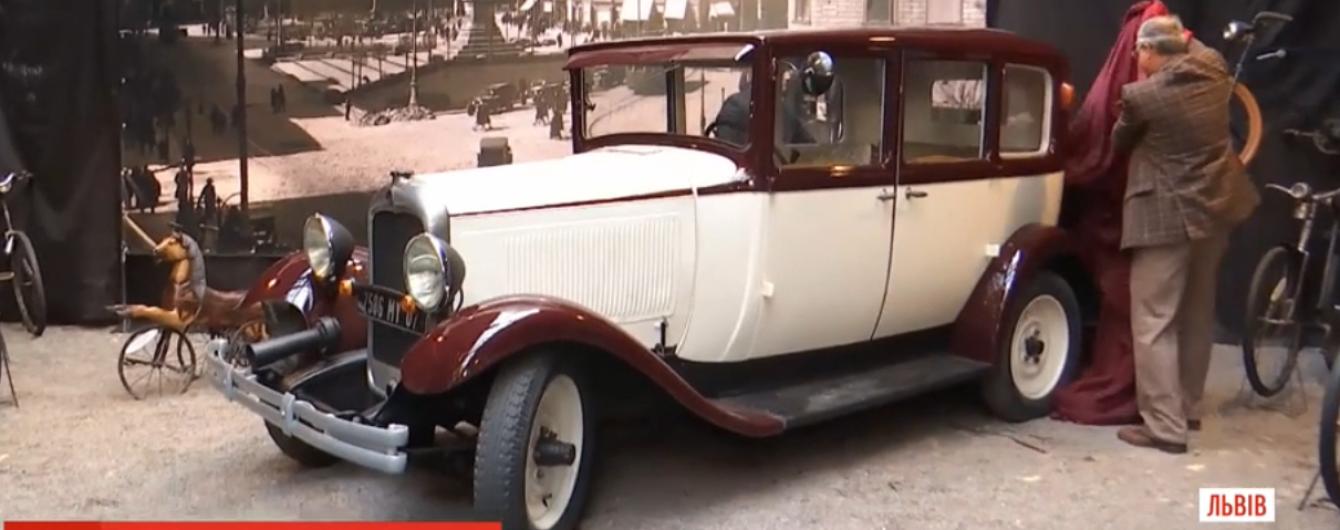 Во Львове представили раритетный Citroen, который был первым такси 1929 года