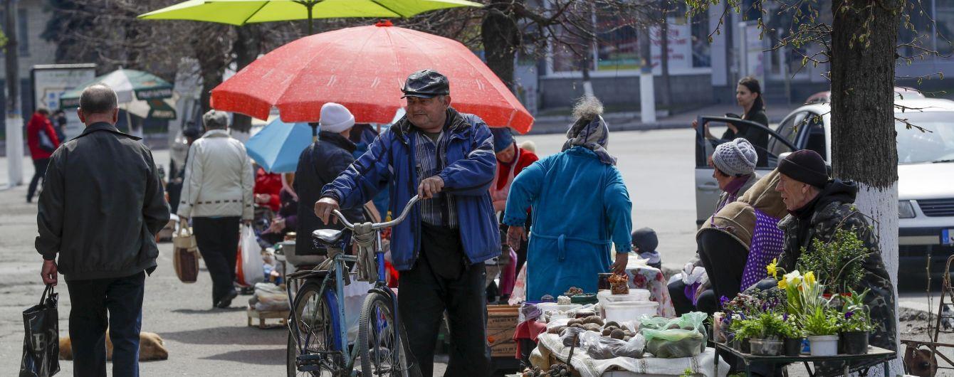 У Києві супроти стихійного ринку вивели спецпризначенців Нацгвардії