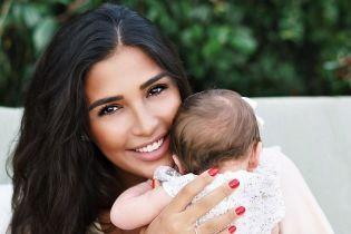 Санта Димопулос рассказала, присутствовал ли ее муж на родах