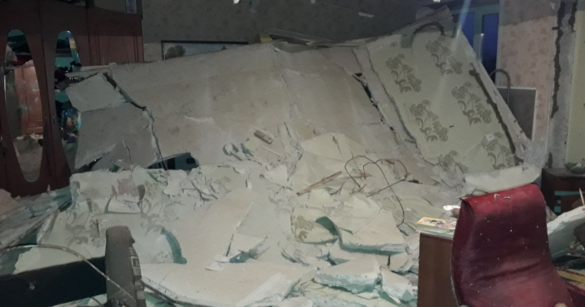 На Луганщине взрывом разрушило две квартиры