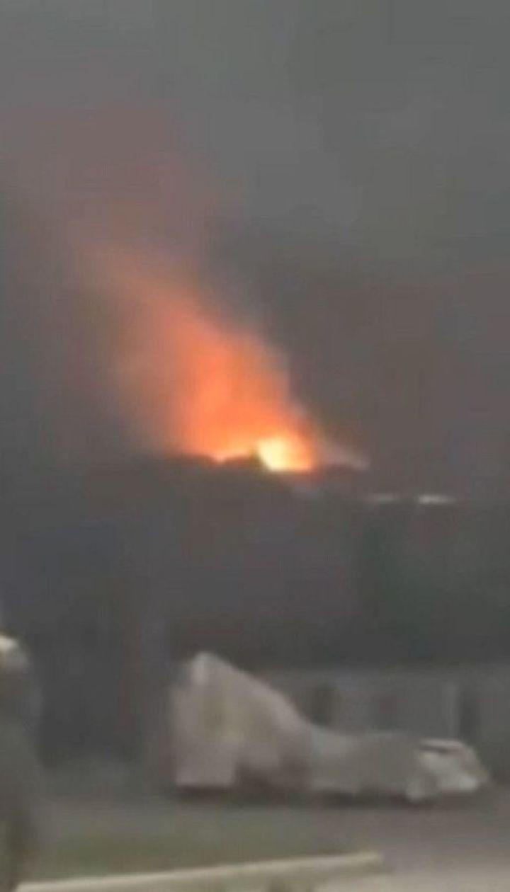 Мощный взрыв прогремел на заводе в Днепре и вызвал пожар