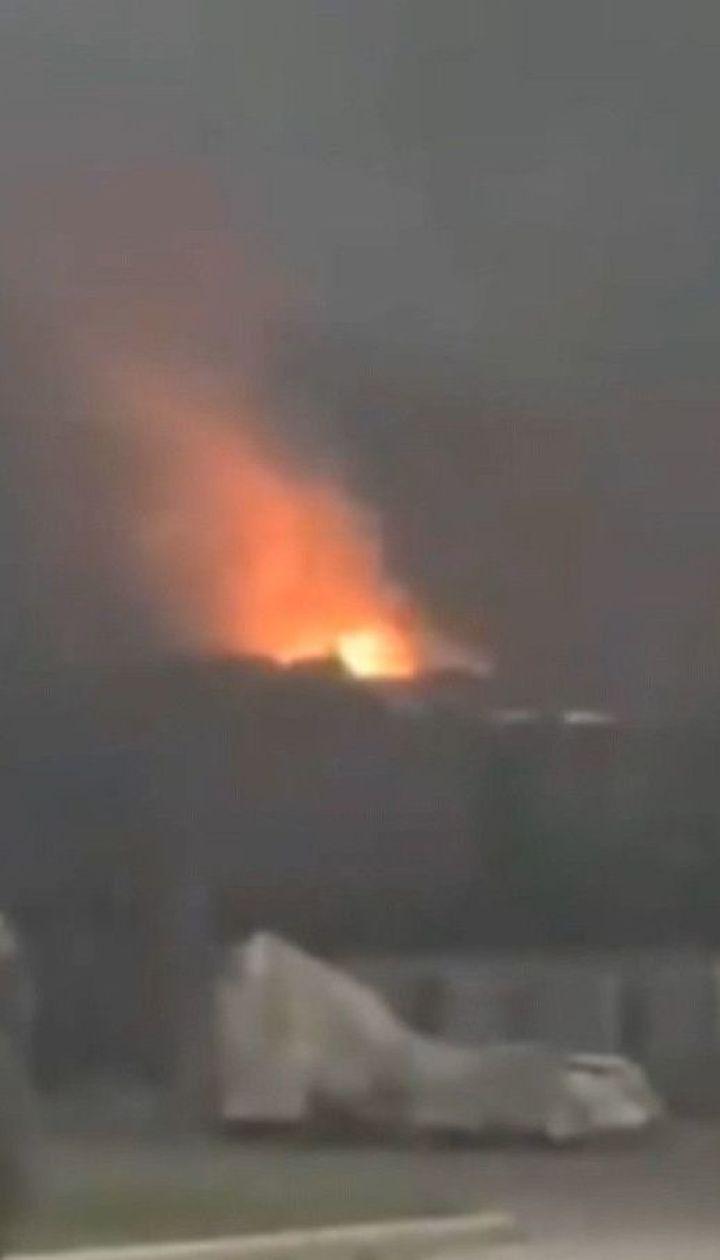 Потужний вибух пролунав на заводі у Дніпрі і спричинив пожежу
