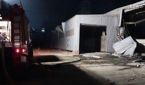 Взрыв на заводе в Днепре: спасателям пришлось тушить пожар с большими трудностями