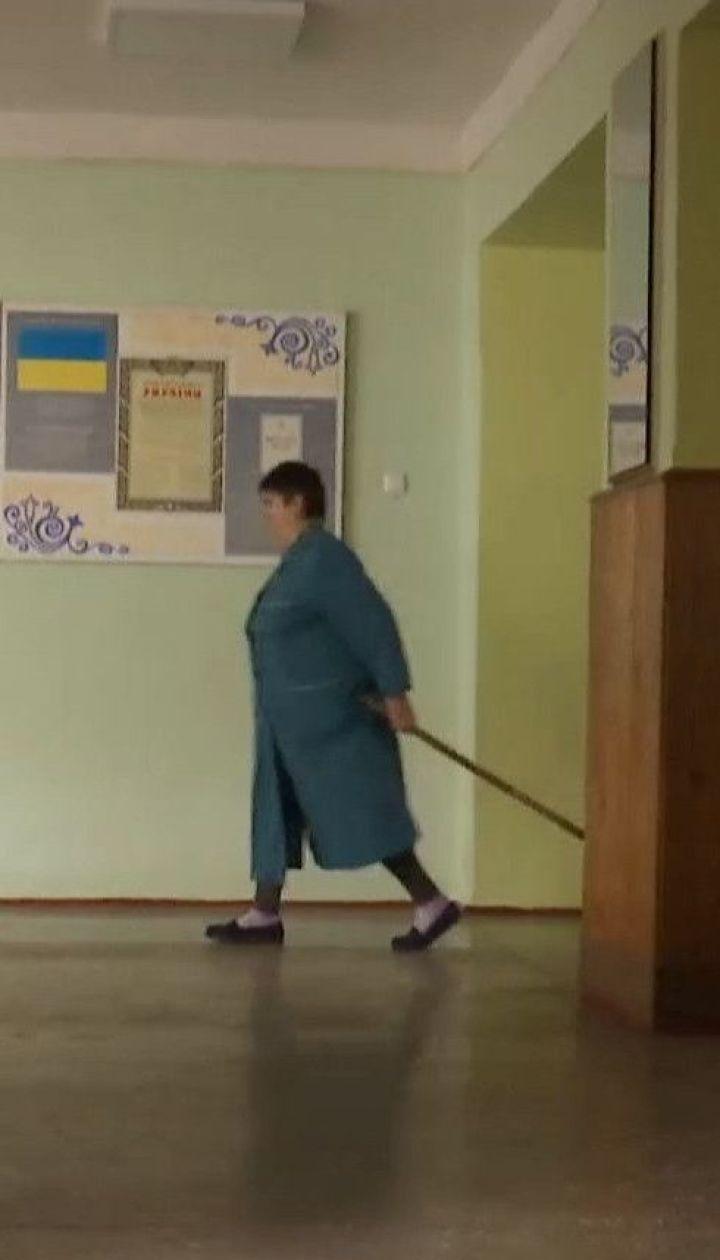 """В Чернигове 16 школьников госпитализированы с диагнозом гепатит """"А"""""""