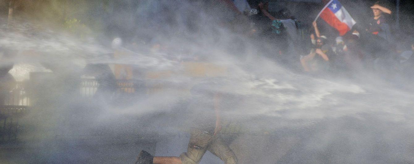 У Чилі тривають масові протести, попри відставки міністрів