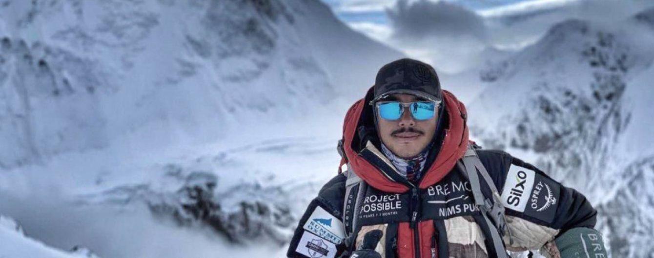 """Покорил 14 вершин в """"зонах смерти"""" за полгода: история непальца, о рекорде которого говорит весь мир"""