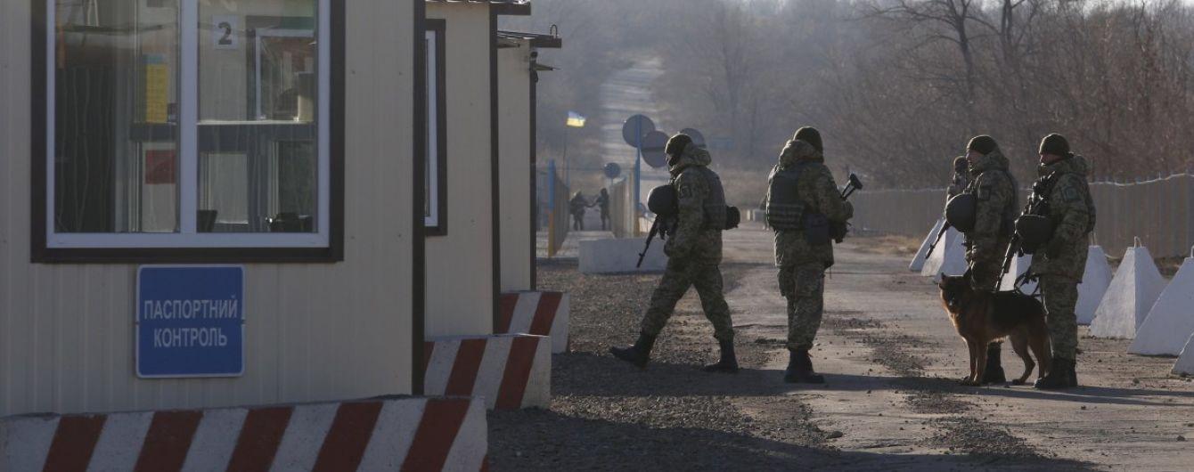 В Золотом курсируют многочисленные патрули, а за КПВВ не пускают журналистов: какая обстановка в зоне разведения