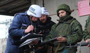 """В """"ЛНР"""" показали фото отвода боевиков от Золотого"""