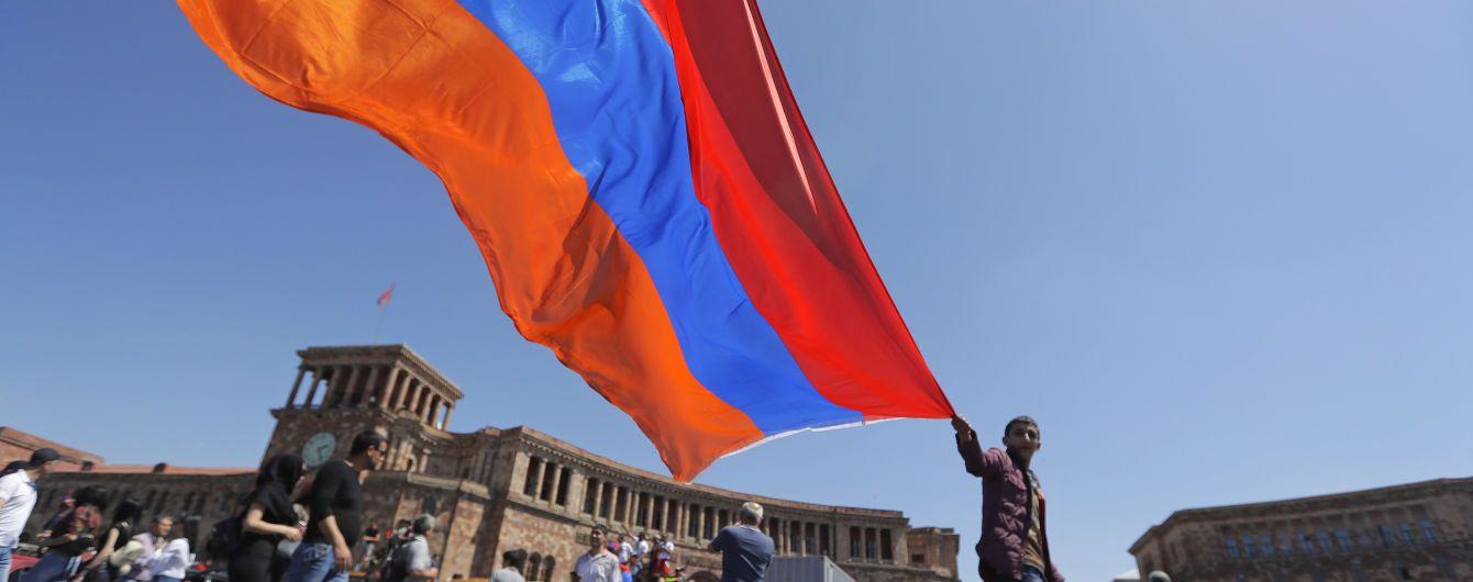 Вірменія спростувала російський фейк про запуск авіарейсів до окупованого Криму