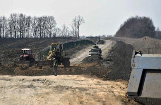 Відгородитися стіною: у Зеленського розповіли про план на випадок провалу переговорів з Росією