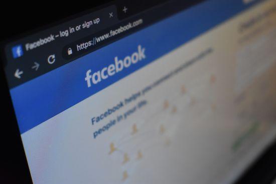 Facebook знайшов мережу фейкових акаунтів для впливу на вибори в Україні