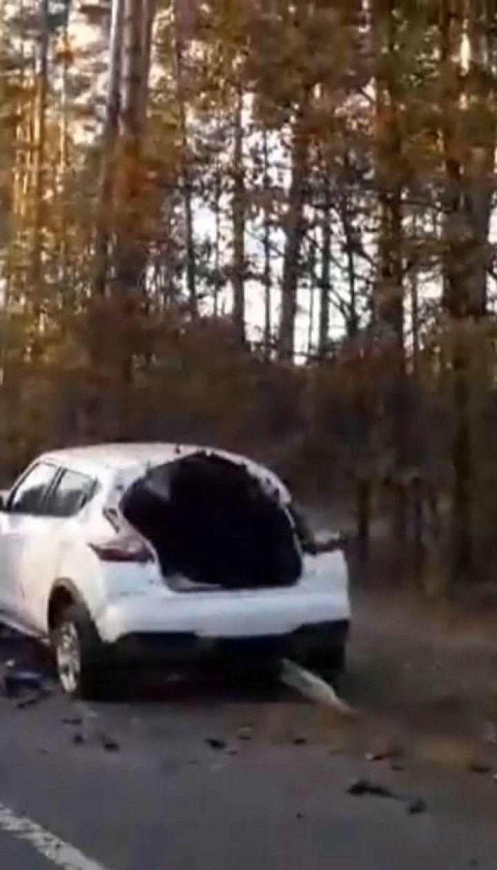 На Київщині автомобіль наштрикнувся на відбійник, загинула 50-річна жінка