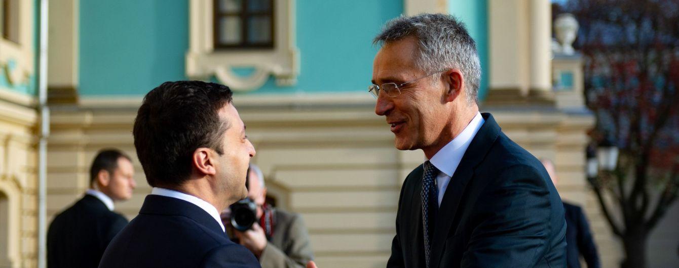 """""""Реформы приближают Украину к НАТО"""". Зеленский встретился со Столтенбергом"""