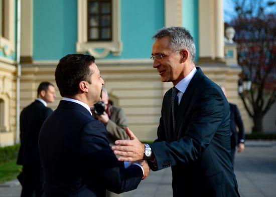 """""""Реформи наближають Україну до НАТО"""". Зеленський зустрівся зі Столтенбергом"""